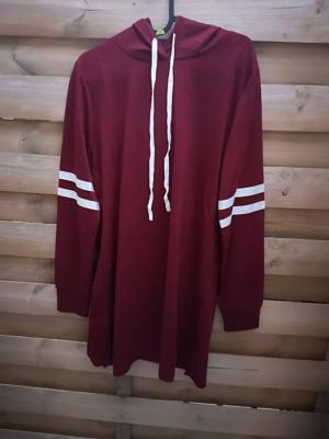 Robe Bordeaux à Capuche